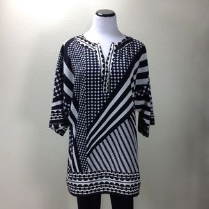 Liz Claiborne Black, Navy White Print V-neck Tunic